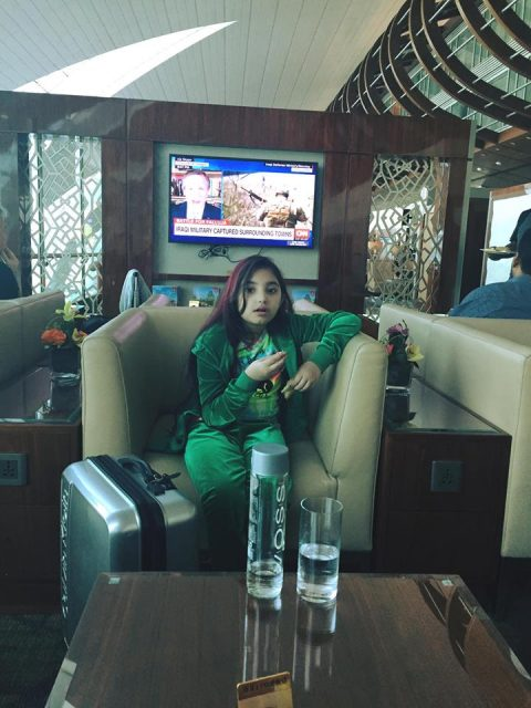 Javeria Saud with family in USA (8)