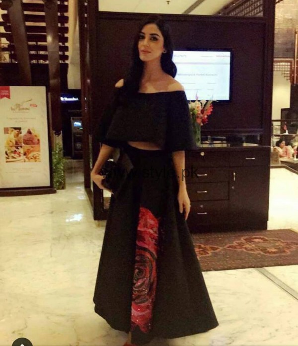 Pakistani Celebrities at Lux Style Awards 2016 (10)