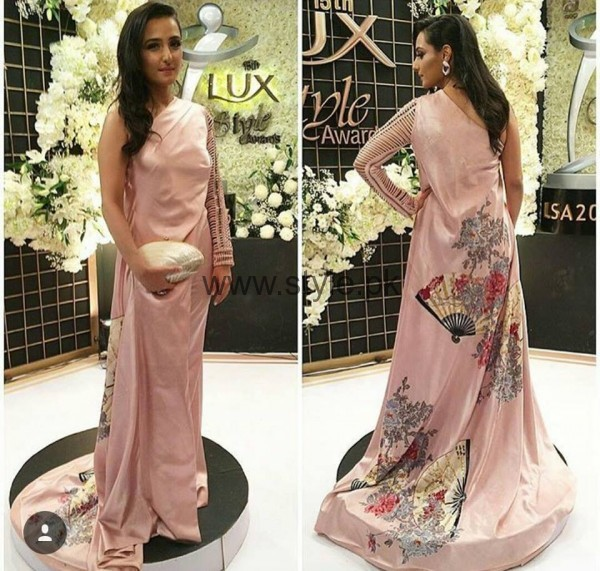 Pakistani Celebrities at Lux Style Awards 2016 (5)