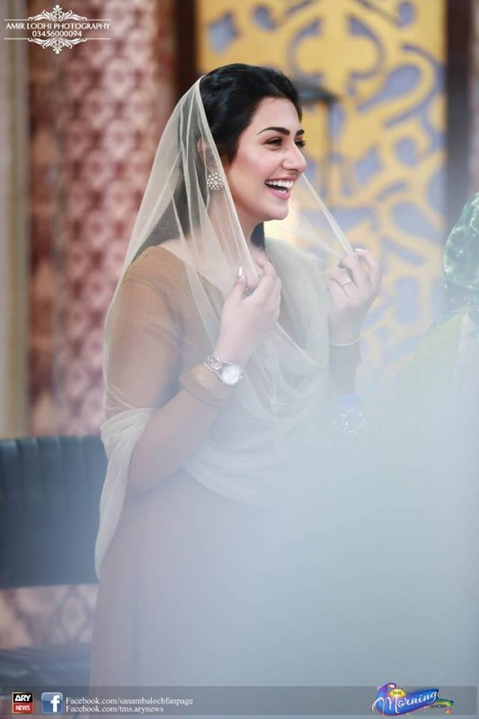 Pictures of Beautiful Sisters Sarah Khan and Noor Khan (2)