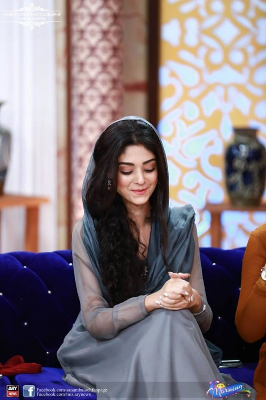Pictures of Beautiful Sisters Sarah Khan and Noor Khan (5)