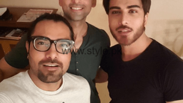 See Sami Khan, Yasir Hussain and Imran Abbas in India