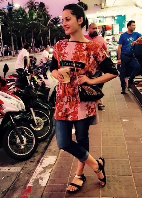 Aiman Khan and Minal Khan are enjoying in Thailand (2)