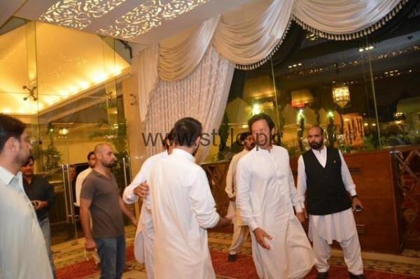 Imran Khan at Hamza Ali Abbasi's sister's Wedding (3)