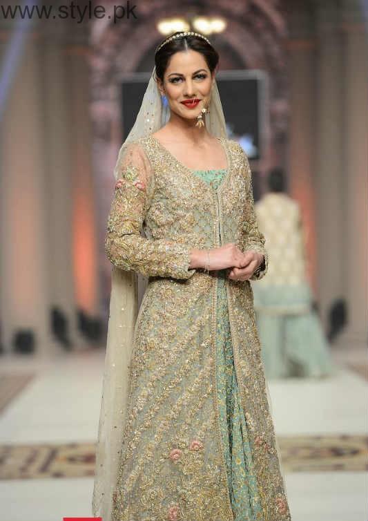 Latest Pakistani Engagement Dresses (9)