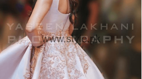 See Mahira Khan's Live conversation with Fans on Facebook