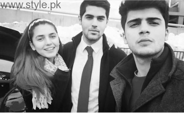 Momina Mustehsan's Family Pictures (20)