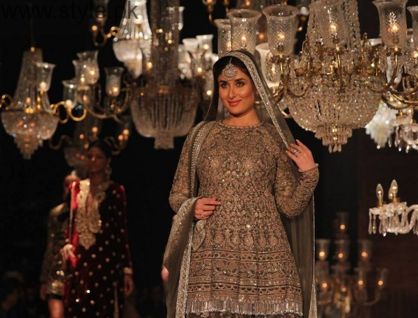 Mommy to be Kareena Kapoor looks graceful (2)