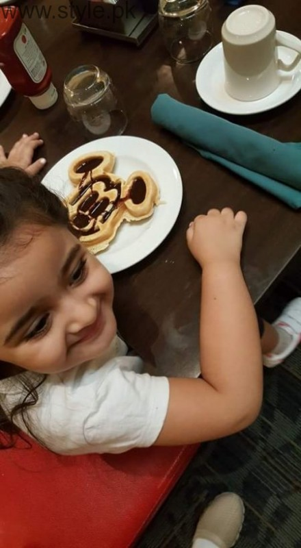 Noor Bukhari Enjoying in USA with her family (11)