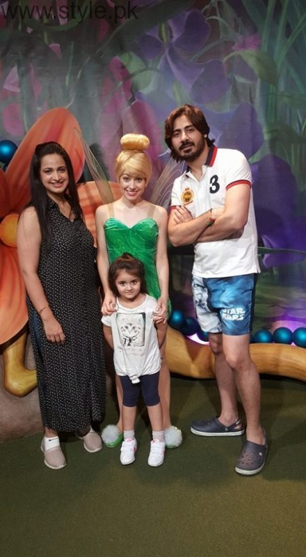 Noor Bukhari Enjoying in USA with her family (3)
