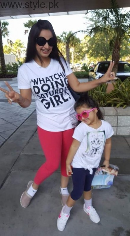 Noor Bukhari Enjoying in USA with her family (6)