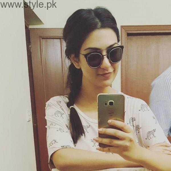 Sarah Khan In Kala Chashma
