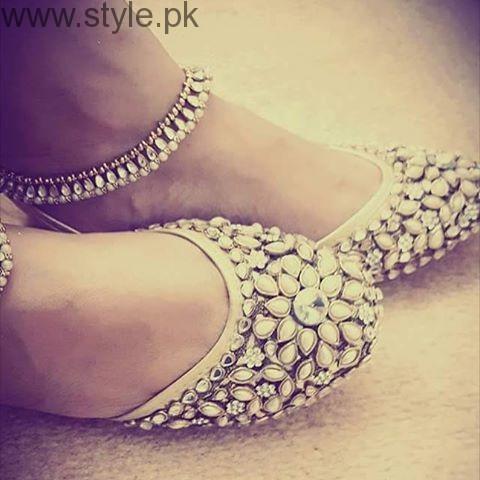 Latest Pakistani Khussa Designs 2016 for Eid (7)