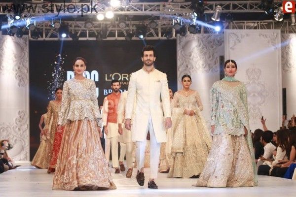 Sania Maskatia at PFDC L'Oreal Paris Bridal Week 2016 Day 1 (11)