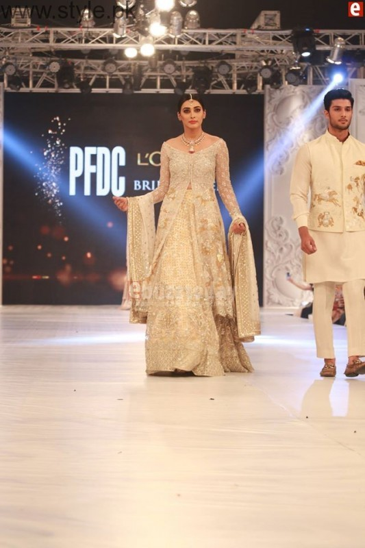 Sania Maskatia at PFDC L'Oreal Paris Bridal Week 2016 Day 1 (4)