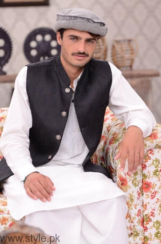 Arshad Khan in White Shalwar Qameez