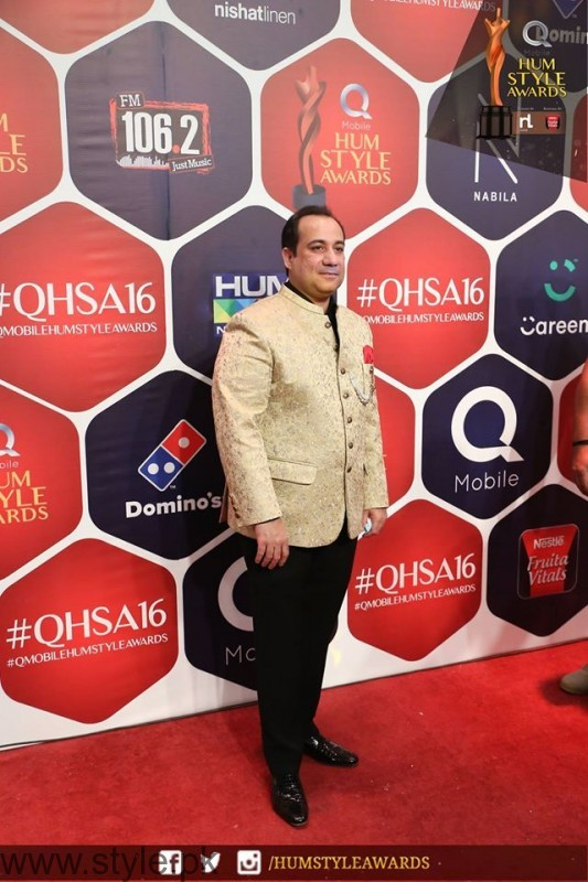Celebrities at Qmobile HUM Style Awards 2016 (28)