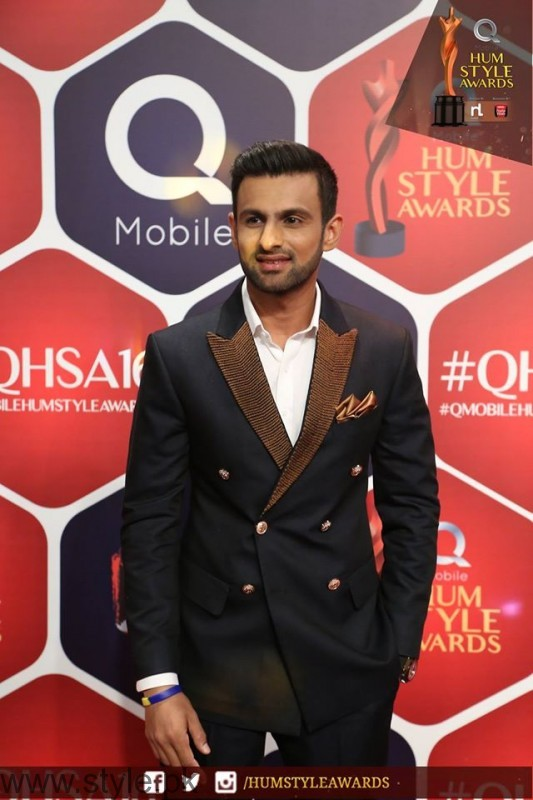 Celebrities at Qmobile HUM Style Awards 2016 (44)