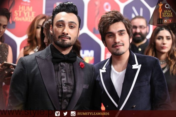 Celebrities at Qmobile HUM Style Awards 2016 (9)
