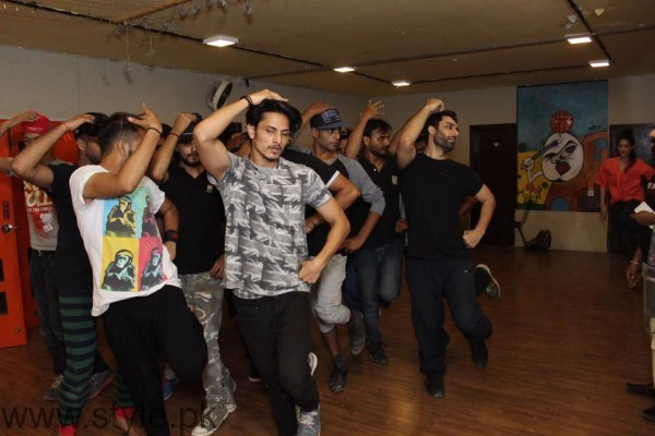 Celebrities during Rehearsals of 1st HUM Jazz Style Awards (3)