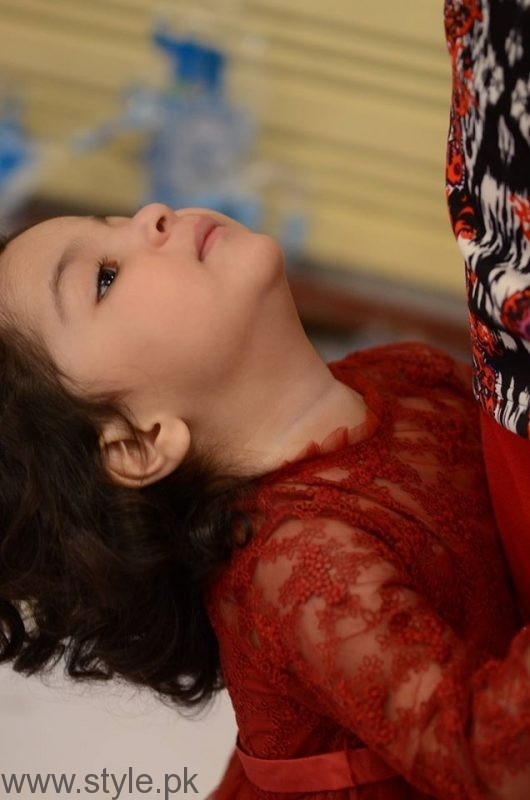 Fiza Ali with her daughter in Good Morning Pakistan (5)