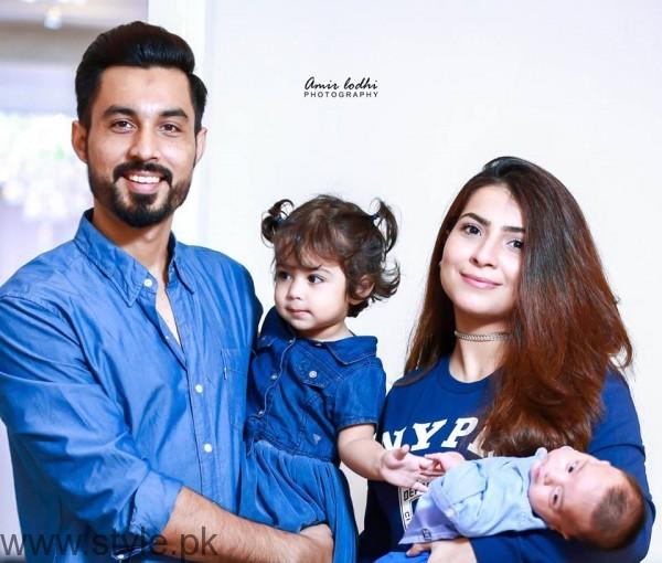 Humaima Malick's Sister Dua Malik with Family
