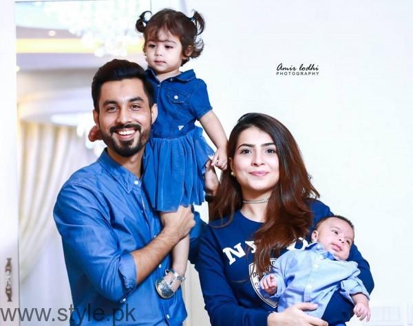 Humaima Malick's Sister Dua Malik's Family Pictures