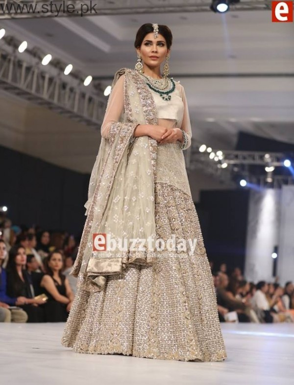 PFDC L'Oréal Paris Bridal Week 2016 Day 2 Pictures (11)
