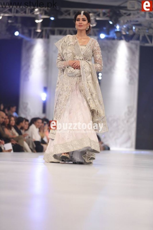 PFDC L'Oréal Paris Bridal Week 2016 Day 2 Pictures (12)