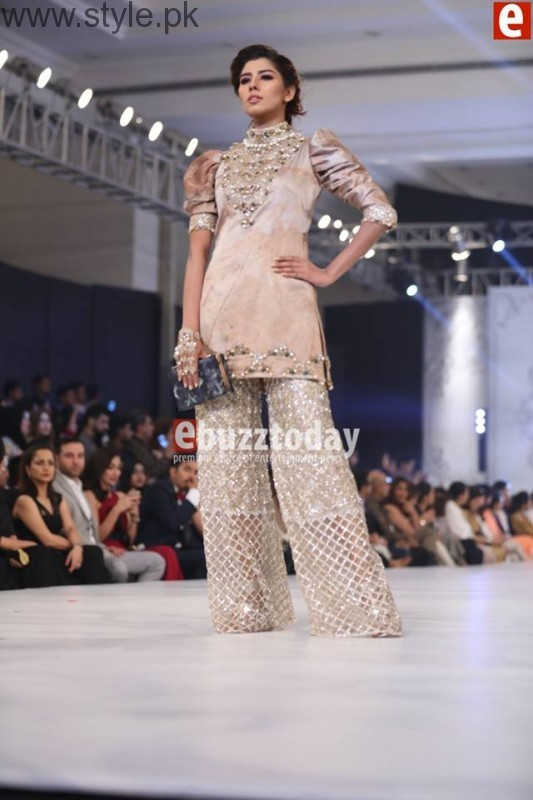 PFDC L'Oréal Paris Bridal Week 2016 Day 2 Pictures (13)