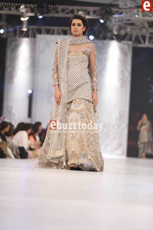 PFDC L'Oréal Paris Bridal Week 2016 Day 2 Pictures (17)