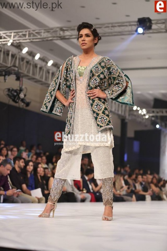 PFDC L'Oréal Paris Bridal Week 2016 Day 2 Pictures (21)