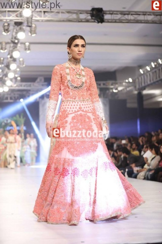PFDC L'Oréal Paris Bridal Week 2016 Day 3 Pictures (19)