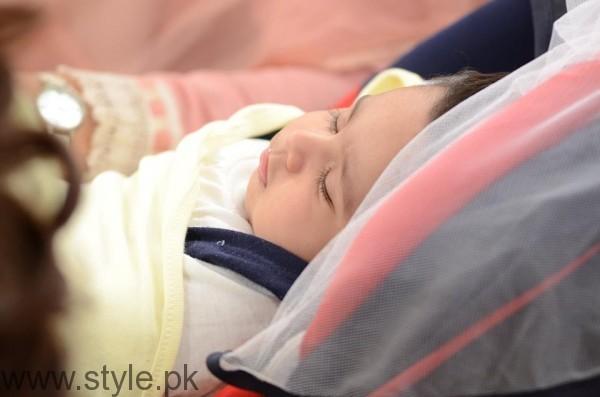 Pari Hashmi with her baby in Good Morning Pakistan (5)