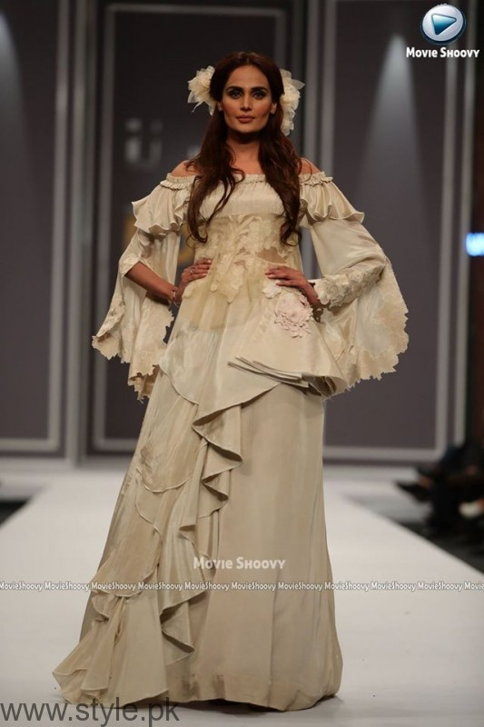 Urdu Presents Kosem Sultan at FPW2016