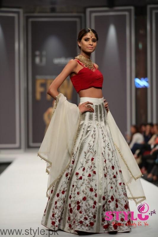 Natasha Kamal's Dresses at FPW2016 (1)