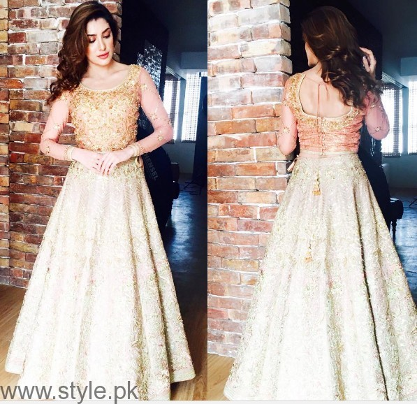 Pakistani Golden Party wear Dresses (9)