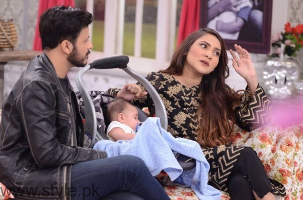 Sana Askari with her Husband and son in Good Morning Pakistan (6)