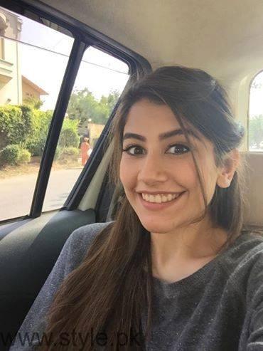 Syra Shahroz - Pretty Pakistani VJ turned Actress