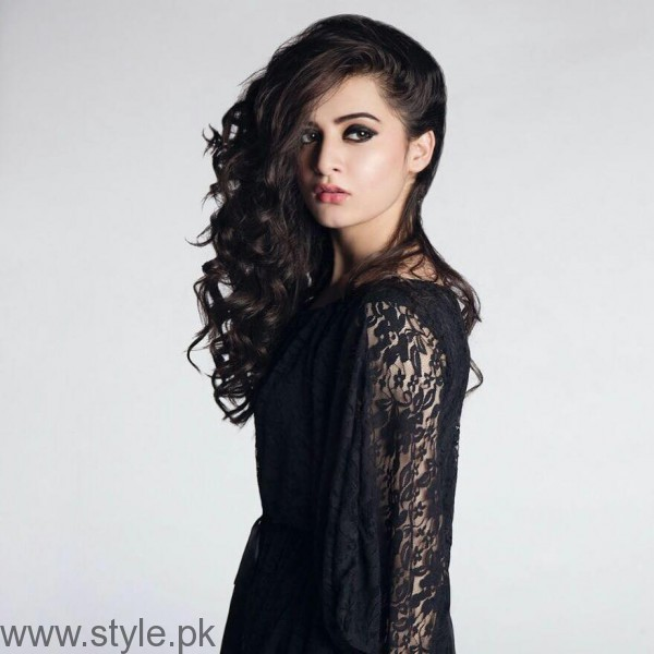 Aiman Khan's Profile, Pictures and Dramas (8)
