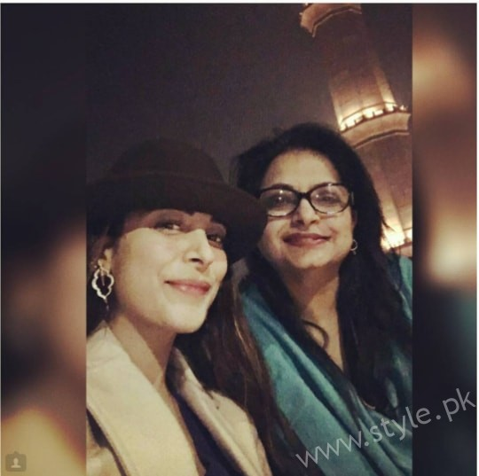 Urwa Hocane with Mother at Cooco's Den Food Street Lahore
