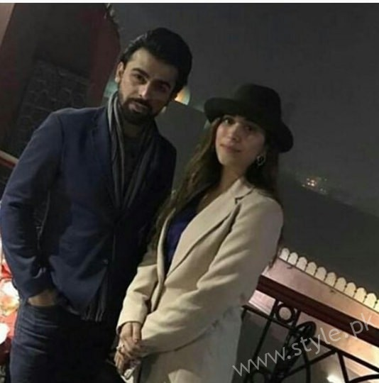 Urwa and Farhan Spotted at Cooco's Den Food Street