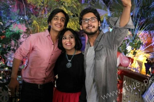 Yasra Rizvi's Engagement Pictures (9)