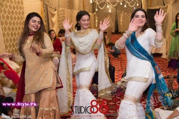 Aiman And Muneeb Butt Dholki Minal Khans Dance