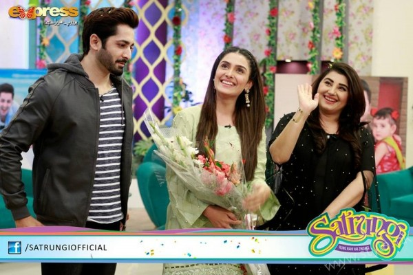 Ayeza Khan's surprise Birthday Celebration in Morning Show 'Satrungi' (28)