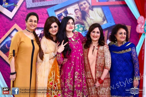 Bushra Ansari, Asma Abbas and Sisters at Sanam Baloch Show (9)