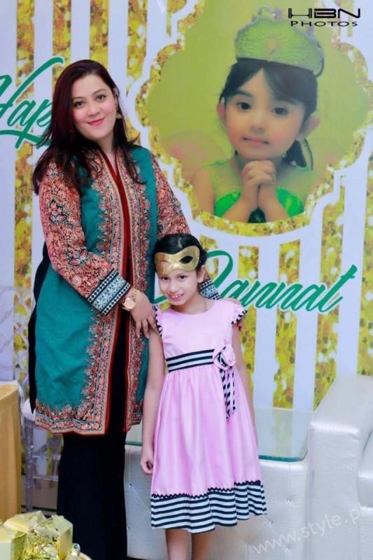 Celebrities at Javeria Saud's daughter Jannat Saud's Birthday Party (9)