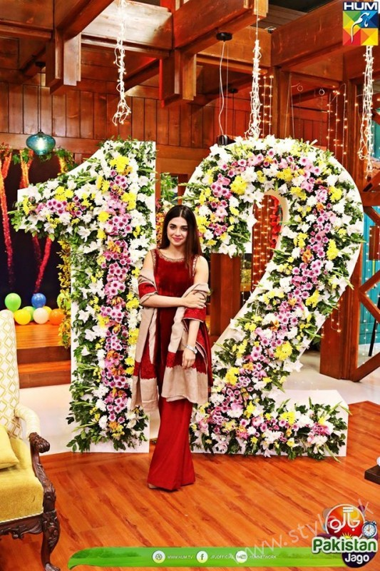 Kubra Khan, Sarah Khan, Iqra Aziz and Sonya Hussain at 12 Anniversary of HUM TV (16)
