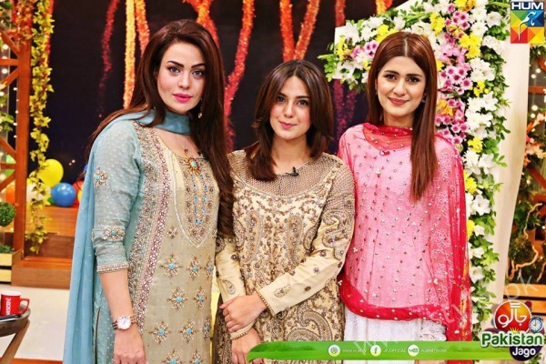 Kubra Khan, Sarah Khan, Iqra Aziz and Sonya Hussain at 12 Anniversary of HUM TV (24)