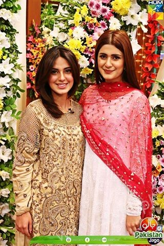 Kubra Khan, Sarah Khan, Iqra Aziz and Sonya Hussain at 12 Anniversary of HUM TV (25)